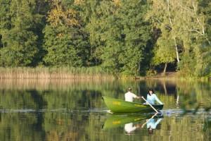 Pasiplaukiojimas ežere